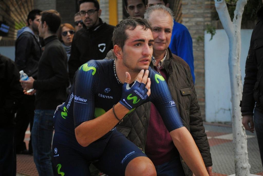 Juanjo Lobato se duele de su caída en la jornada inicial de la Ruta del Sol