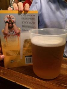 Samuel Sánchez se entera del precio de un litro de cerveza en Madrid
